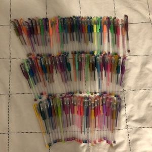 Other - 90+ assorted gel pens
